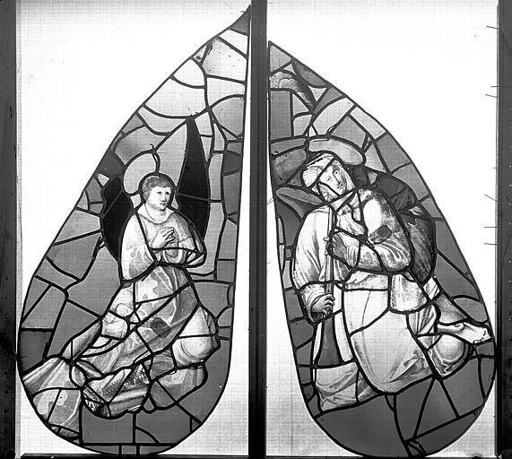 Eglise Saint-Eloi (ancienne) Vitrail, fenêtre 1, angelots du tympan, Heuzé, Henri (photographe),