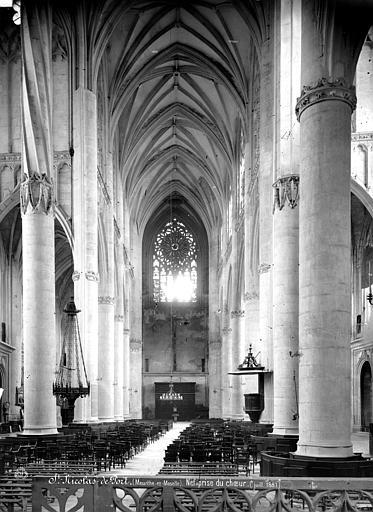 Eglise Vue intérieure de la nef, vers l'ouest, Mieusement, Médéric (photographe),
