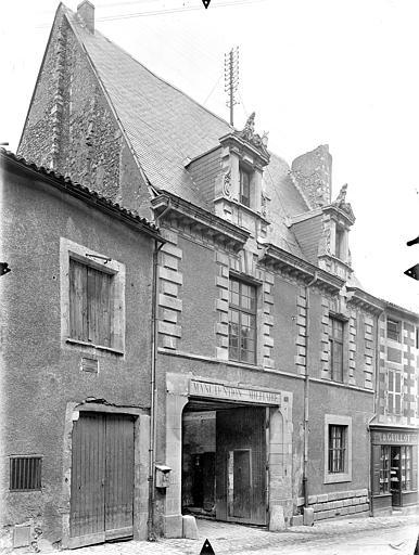Hôtel de Jean du Moulin de Rochefort (ancien) Façade sur rue, Gossin (photographe),