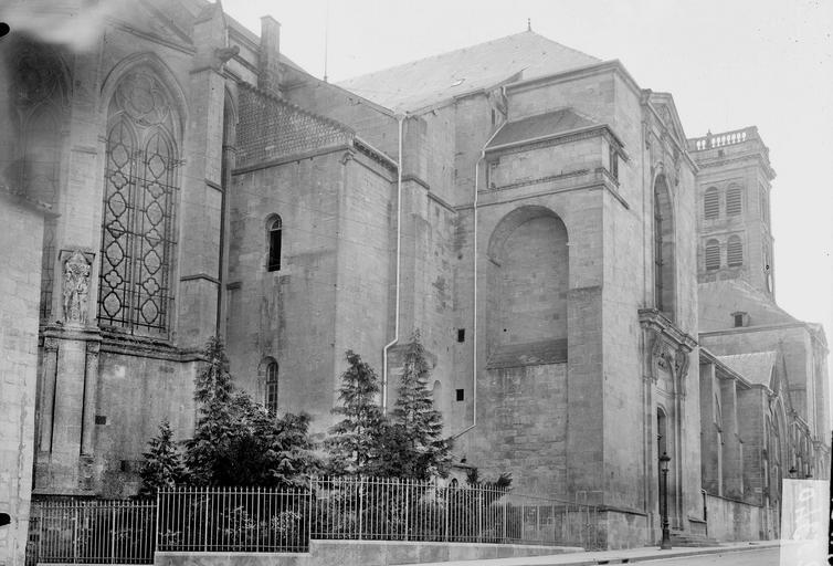 Cathédrale Notre-Dame-de-l'Assomption Partie latérale, Durand, Georges (photographe à Amiens),