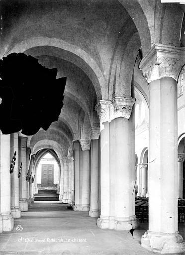 Cathédrale Saint-Dié Vue intérieure du bas-côté nord, Mieusement, Médéric (photographe),
