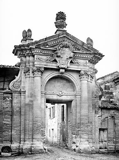 Chartreuse du Val-de-Bénédiction (ancienne) Portail des Chartreux, côté sud, Mieusement, Médéric (photographe),
