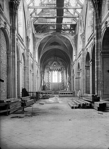 Cathédrale Notre-Dame de l'Assomption Nef, vue de l'entrée, Service photographique,