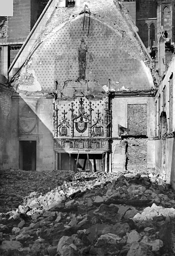 Archevêché (ancien) ; Palais du Tau (actuel) Salle du Tau : Vue intérieure vers le nord, Sainsaulieu, Max (photographe),