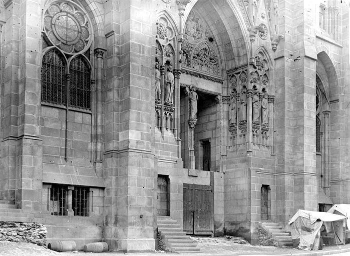 Cathédrale Notre-Dame Portail avant les degrés, Chaine, Henri (architecte),