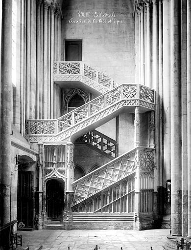Cathédrale Notre-Dame Escalier de la bibliothèque, Mieusement, Médéric (photographe),