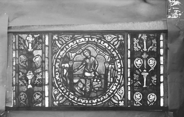 Eglise Saint-Gengoult Vitrail de l'abside, lancette gauche, panneaux supérieurs 13, Romanais (photographe),