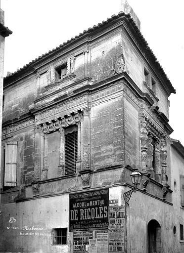 Maison dite des Trois Nourrices Vue d'ensemble, Mieusement, Médéric (photographe),