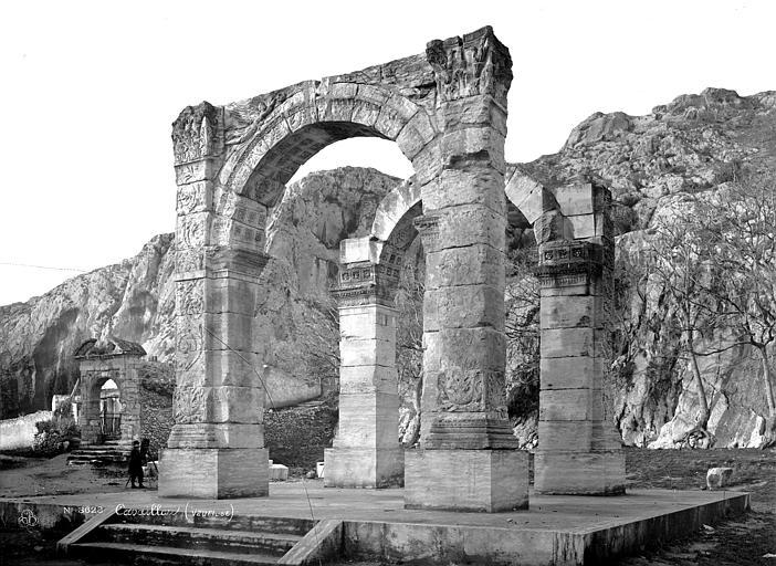 Arc antique Ensemble sud-est, Mieusement, Médéric (photographe),