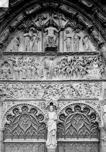 Cathédrale Saint-Etienne Portail central de la façade ouest : tympan, Doucet ; Baudet (photographe),