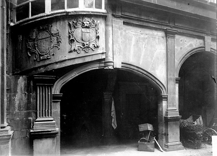 Hôtel Fontfreyde ou maison dite des Architectes Arcades, Enlart, Camille (historien),