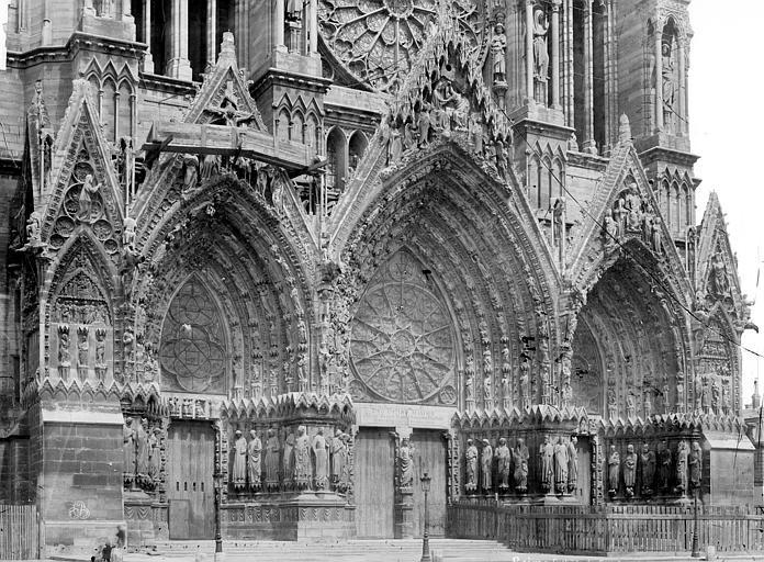 Cathédrale Notre-Dame Portails de la façade ouest, Mieusement, Médéric (photographe),