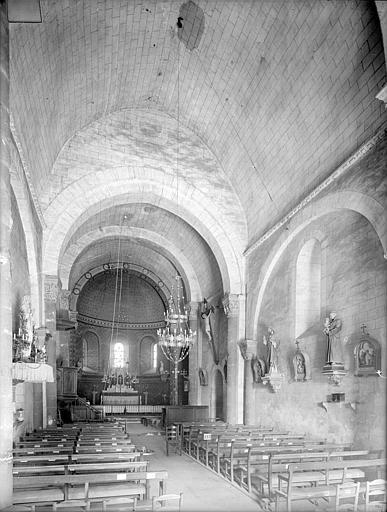 Eglise Saint-Saturnin Vue intérieure de la nef vers le choeur, Heuzé, Henri (photographe),