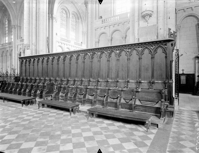 Cathédrale Saint-Pierre Stalles du choeur, ensemble, Gossin (photographe),