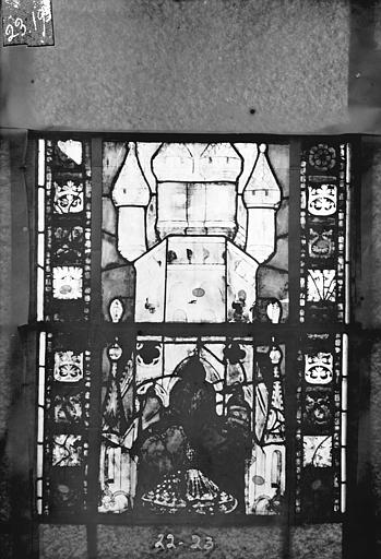 Eglise Saint-Gengoult Vitrail du transept sud, fenêtre A, 3ème lancette, panneaux 22, 23, Romanais (photographe),
