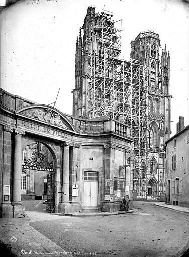 Cathédrale Saint-Etienne (ancienne) Façade ouest échafaudée, Mieusement, Médéric (photographe),