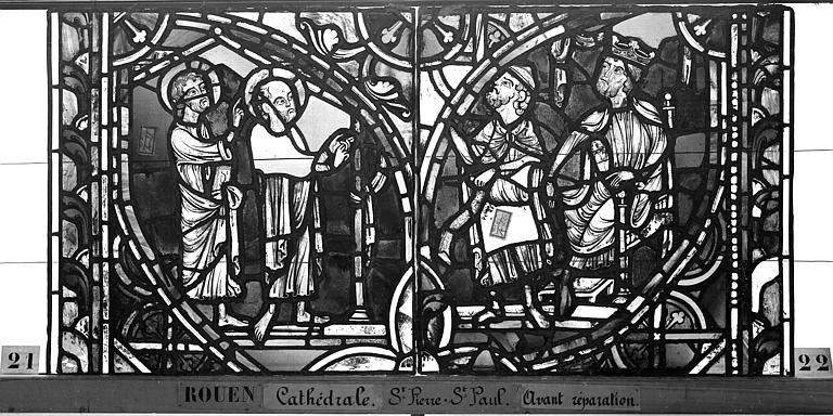 Cathédrale Vitrail, sacristie des Chanoines, saint Pierre et saint Paul, troisième panneau, Heuzé, Henri (photographe),