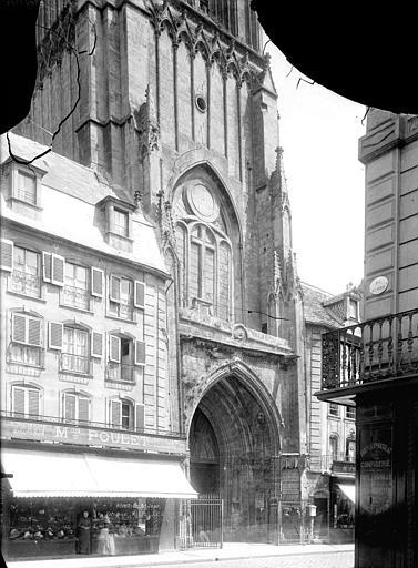 Eglise Saint-Jean Façade ouest : Portail et base de la tour clocher, Durand, Jean-Eugène (photographe),
