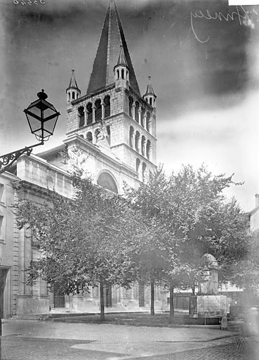Cathédrale Clocher, Enlart, Camille (historien),