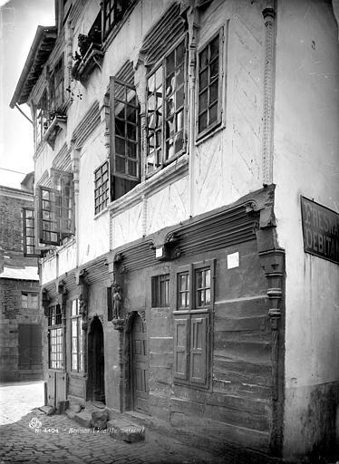 Maison du 16ème siècle dite de Duguesclin Façade sur rue, Mieusement, Médéric (photographe),