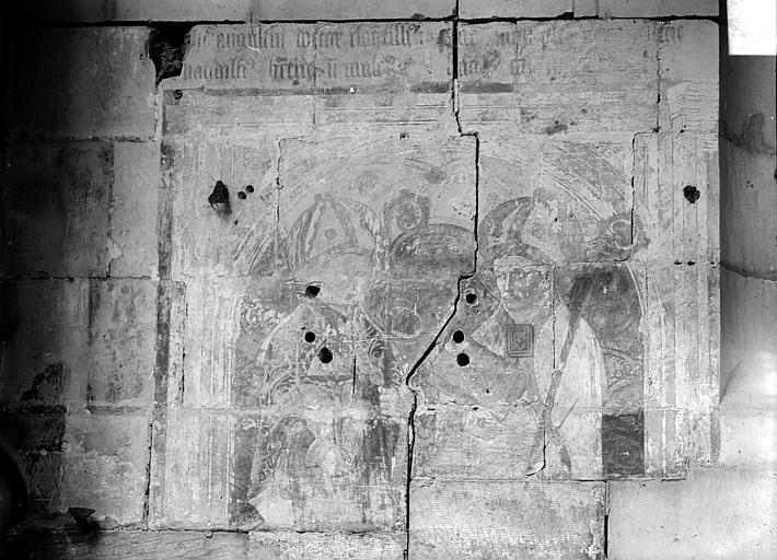 Eglise Notre-Dame-de-Froide-Rue (ancienne) ou Eglise Saint-Sauveur (actuelle) Peinture murale : évêques, Heuzé, Henri (photographe),