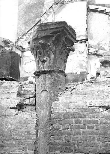 Eglise Saint-Michel (ancienne) Chapiteau, Verneau, G.,