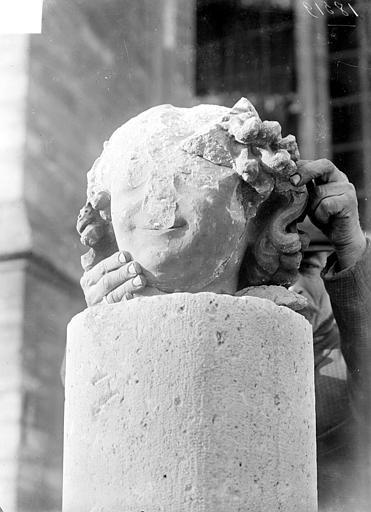 Cathédrale Tête de l'ange de saint Nicaire, Sainsaulieu, Max (photographe),