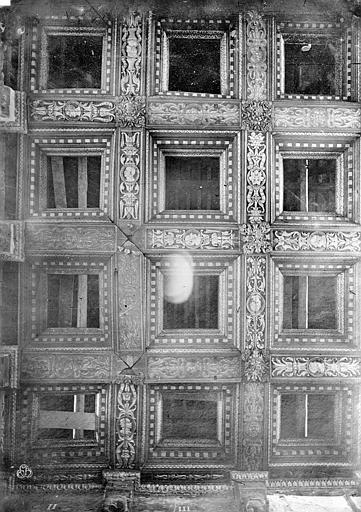 Palais de Justice Chambre dorée : Plafond à caissons, Bourgogne, L. (photographe),