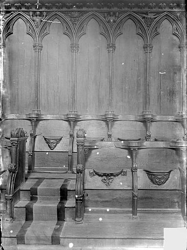 Cathédrale Saint-Pierre Stalles : détail des travées, Heuzé, Henri (photographe),