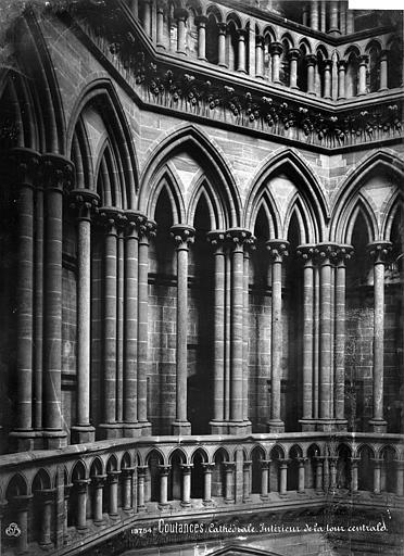Cathédrale Notre-Dame Vue intérieure de la tour centrale : Triforium, Mieusement, Médéric (photographe),