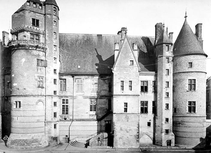 Hôtel de Jacques-Coeur Bâtiment du centre, ensemble, Mieusement, Médéric (photographe),
