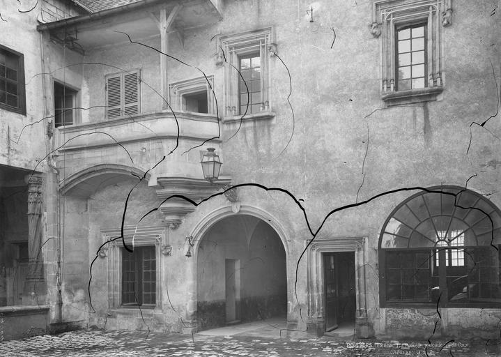 Prévôté (ancienne) Façade sur la cour, Durand, Eugène (photographe),