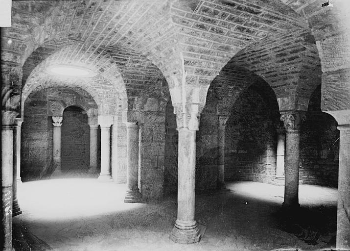 Cathédrale Saint-Bénigne Crypte, Enlart, Camille (historien),