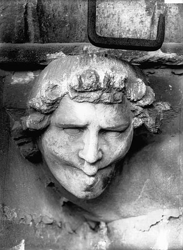Cathédrale Notre-Dame Tête d'amortissement d'arc, le Siffleur, Lajoie, Abel,