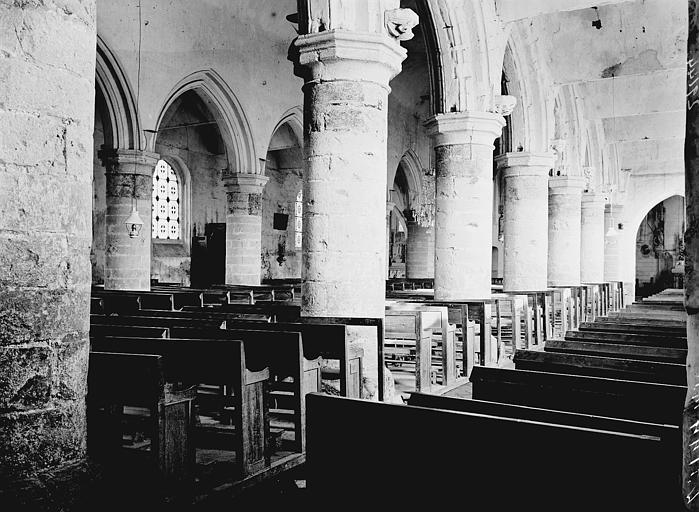 Eglise Bas-côté sud et nef: vue diagonale, Enlart, Camille (historien),