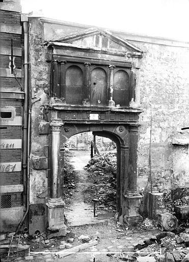 Maison Portail, Verneau, G.,
