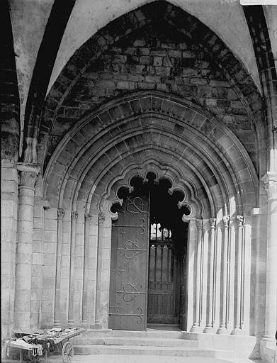 Cathédrale Saint-Martin, actuellement Notre-Dame Cloître: porte, Enlart, Camille (historien),