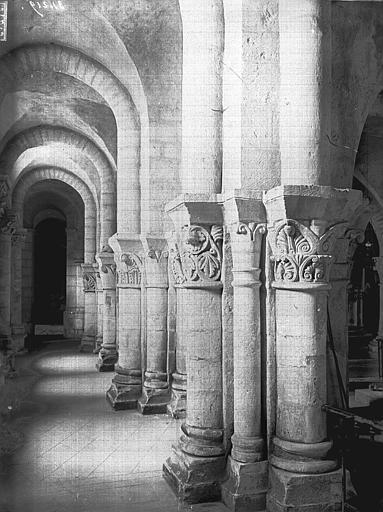 Eglise Saint-Eutrope Crypte, bas-côté nord, Heuzé, Henri (photographe),
