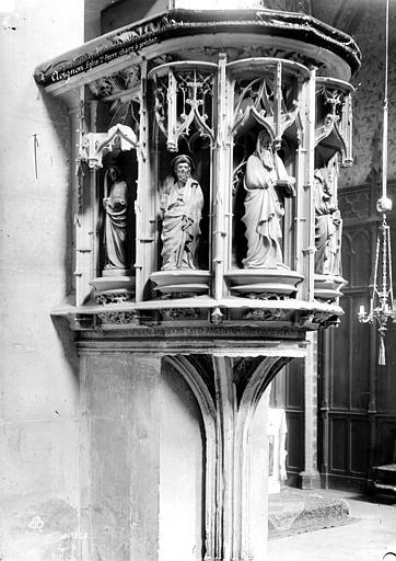 Eglise Saint-Pierre Intérieur, détail : chaire à prêcher, Mieusement, Médéric (photographe),