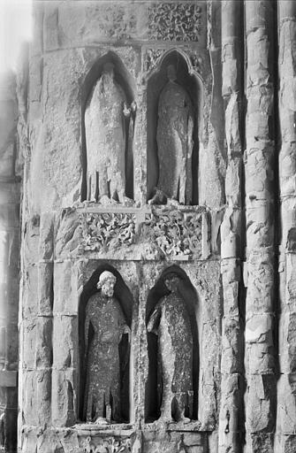 Cathédrale Notre-Dame Revers du portail sud de la façade ouest : Statues, côté nord, 1e et 2e registres, Sainsaulieu, Max (photographe),