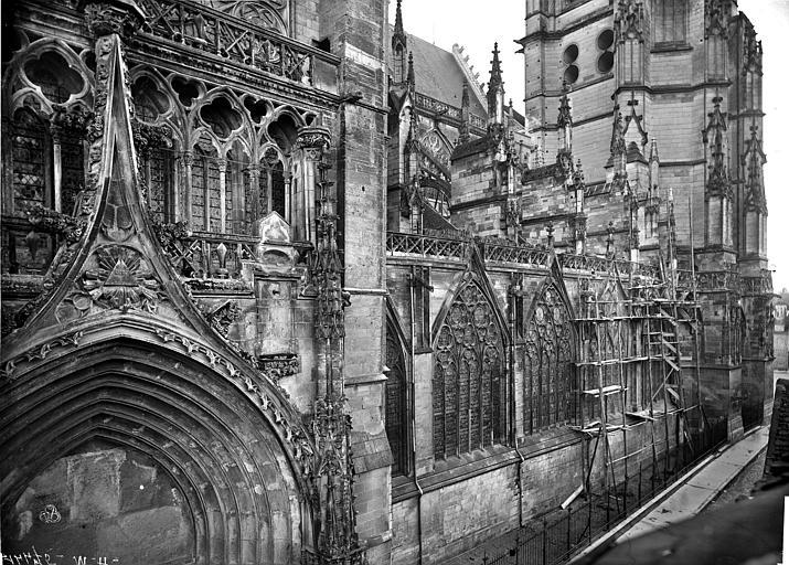 Cathédrale Saint-Pierre Façade nord : Partie ouest en perspective, Mieusement, Médéric (photographe),