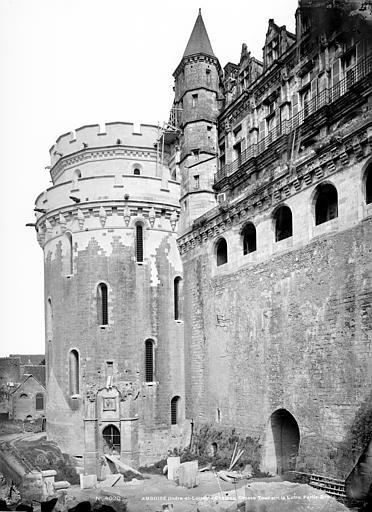 Château Façade nord sur la Loire : Tour des Minimes et logis du roi, Mieusement, Médéric (photographe),