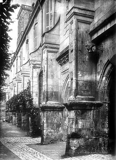 Abbaye de Saint-Martin (ancienne) Cloître, vue perspective, Durand, Eugène (photographe),