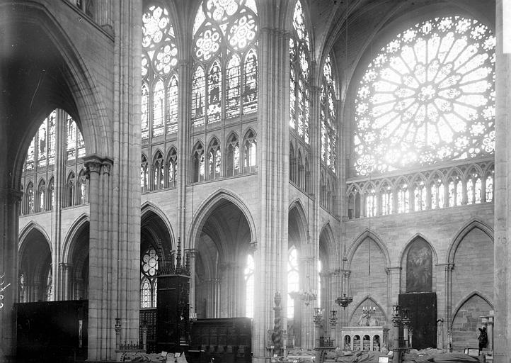 Eglise abbatiale Croisée, Enlart, Camille (historien),