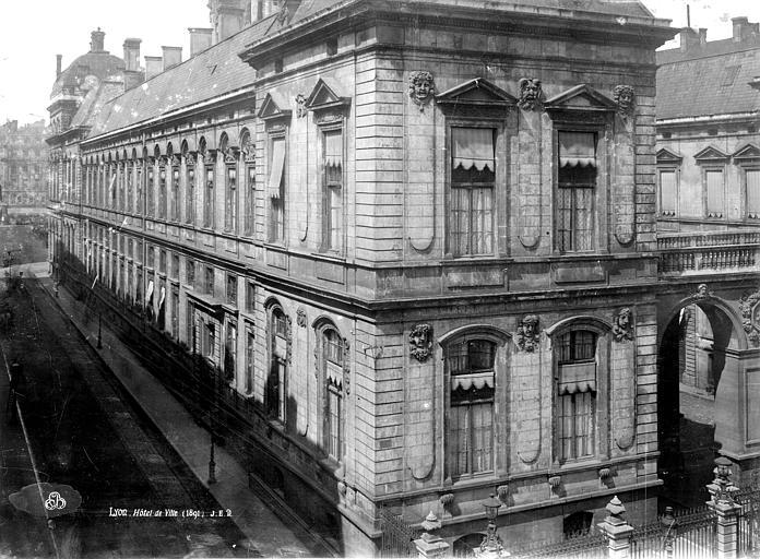 Hôtel de Ville Façade postérieure, Durand, Eugène (photographe),