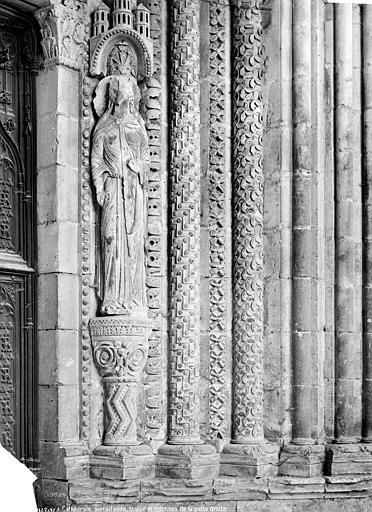Cathédrale Saint-Etienne Portail de la façade nord : ébrasement droit et statue-colonne, Mieusement, Médéric (photographe),