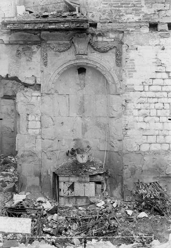 Maison Niche de porche, Verneau, G.,