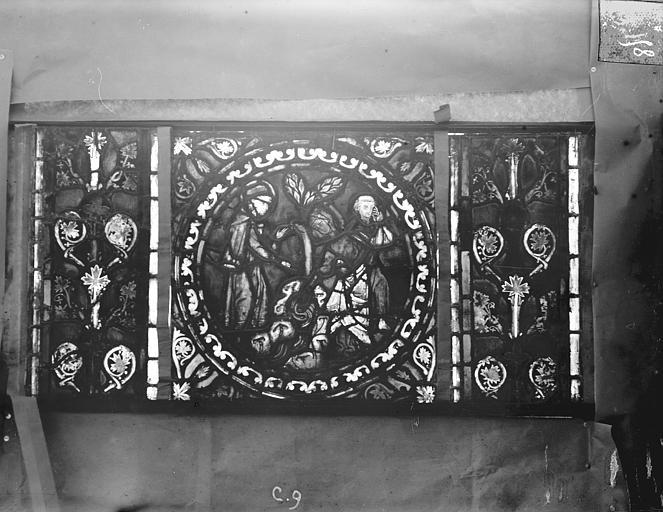 Eglise Saint-Gengoult Vitrail de l'abside, lancette gauche, panneaux supérieurs 10, Romanais (photographe),