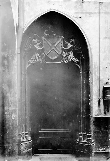 Hôtel d'Aubière Porte, Enlart, Camille (historien),
