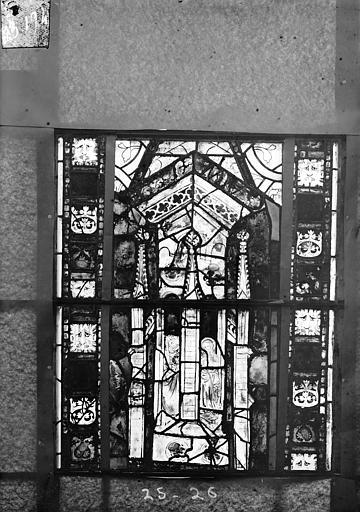 Eglise Saint-Gengoult Vitrail du transept sud, fenêtre A, 3ème lancette, panneaux 25, 26, Romanais (photographe),